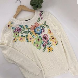 Chelsea & Theodor | Embroiderd Floral Knit Sweater